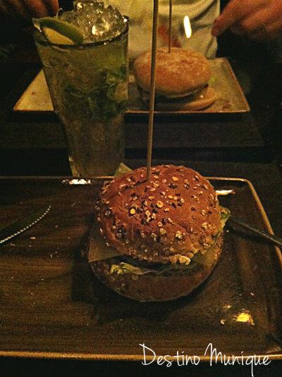 Hamburger-Munique-Hans-im-glueck-a-noite-menu