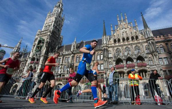Maratona-Munique-Marienplatz