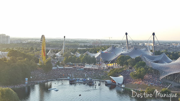 Sommerfestivalimpark-Munique-Publico.jpg