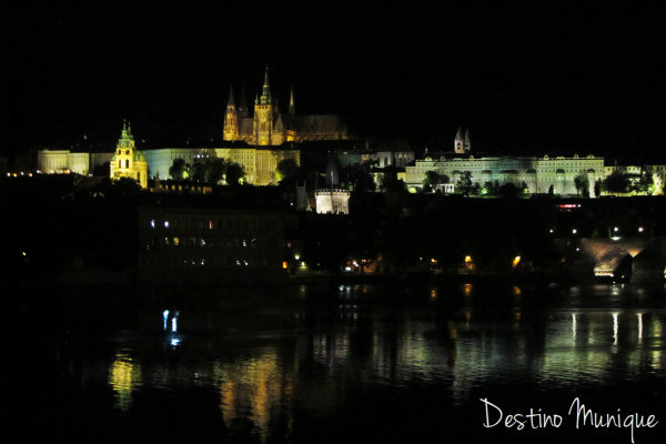 Praga-Castelo-Noite