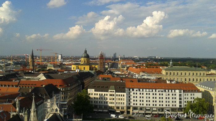 Munique-Rathaus-Alto
