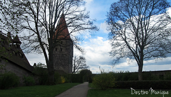 Kaiserburg-Nuremberg-Burggarten