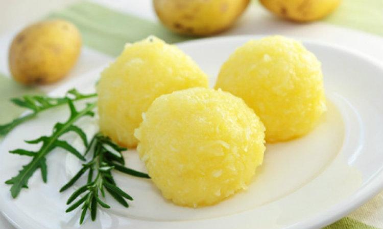 Comidas-Munique-Kartoffelknoedel
