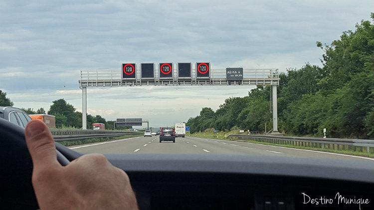 Autobahn-Alemanha-Velocidade