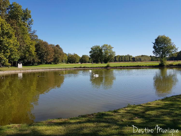 Castelo-Blutenburg-Lago