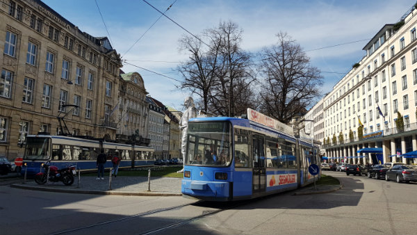 Hop on Hop off Munique, Sightseeing de bonde, Tram 19, guia brasileira em Munique